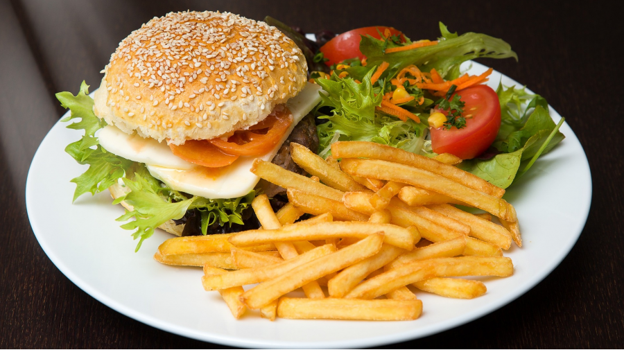 salle-a-manger-hamburger-resto-4-coins-st-jerome.png